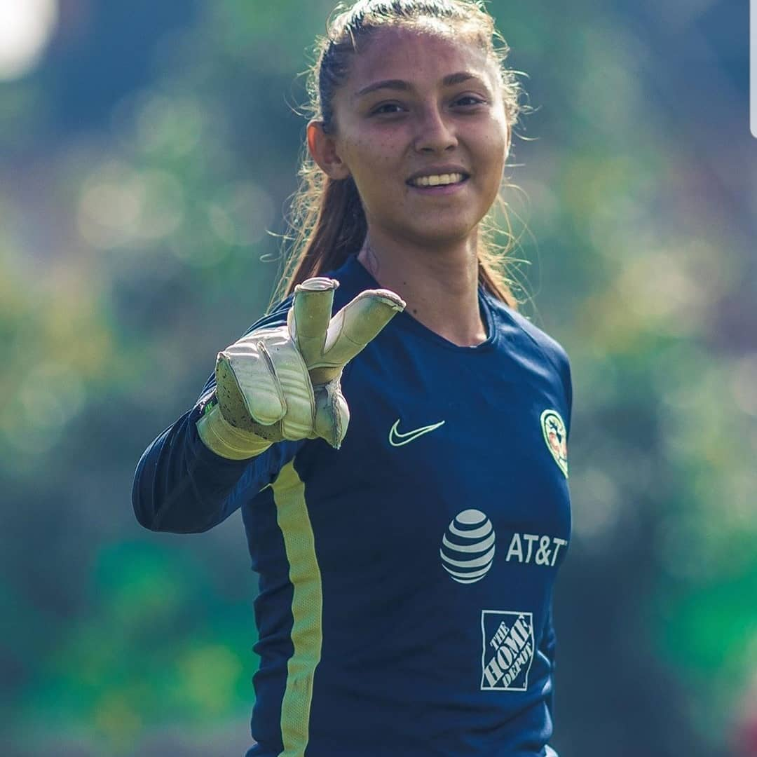 Amazing opportunity! In our way to Mexico City to train with the Mexican women's professional team Club America with GOALKING players Sabrina A. and Brianna O. #FollowingYourDream  #GOALKING #Soccer #Academy #Edmonton #Yeg https://t.co/FvFeeodIEp