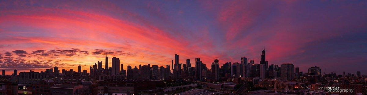RT @barrybutler9: Sunday Morning Sunrise Chicago Panorama. #weather #news #ilwx #chicago https://t.co/0RJCZl4THU