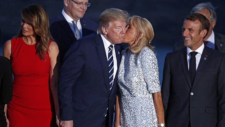 Bpt En Twitter Fransa Cumhurbaskani Emmanuel Macron Un Esi Brigitte Macron Un Abd Baskani Donald Trump I Yanagindan Sicak Bir Sekilde Opmesi Sosyal Medyada Tepki Topladi Https T Co 4z979ibehg