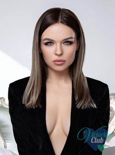 show beautiful naked spanish women
