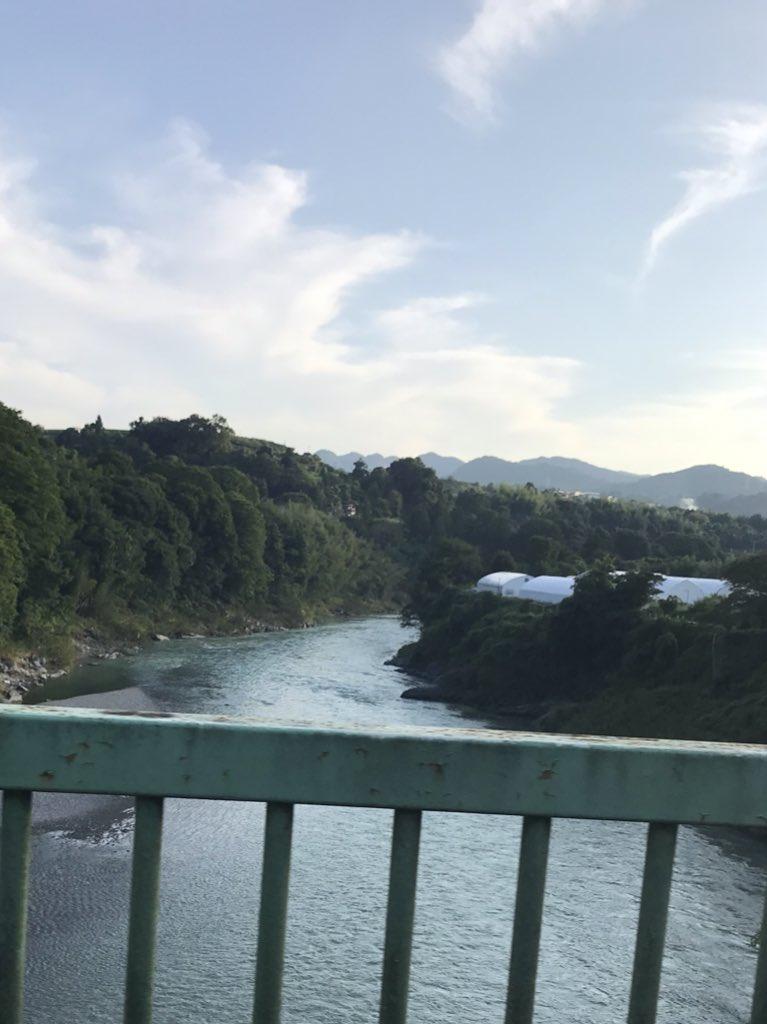 今日は和歌山へ数年ぶりに祖父母のお墓まいりが出来て穏やかな気持ちになれました?帰り道の夕焼け空が綺麗でした✨