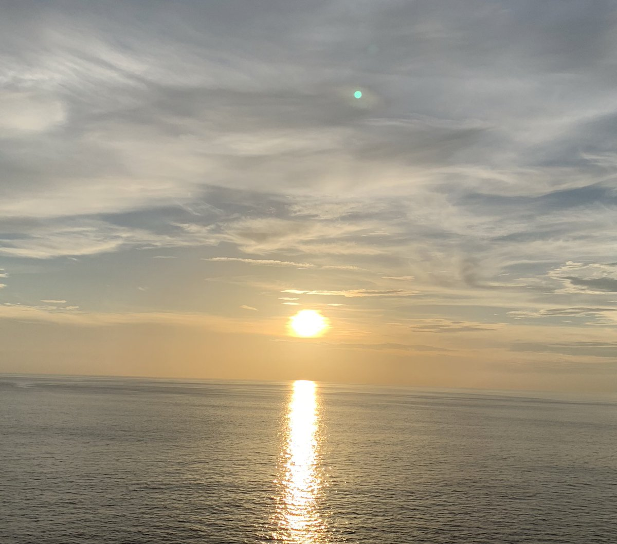 Don't Stress  Do your Best Forget the Rest ☀️☀️☀️☀️☀️☀️☀️☀️☀️☀️☀️☀️ #mondaymotivation #dayslikethese #sunrise_pics #saltlife #sunlights #waterside #calmbeforethestorm #oceanic #stressrelieving #justbreath #tropiclikeitshot #tropicaltalker®️
