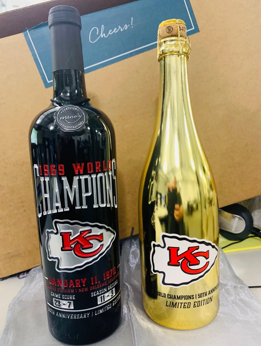 Our ethics policy will preclude us keeping these but review samples of the commemorative wine and bubbly introduced by the #Chiefs and https://t.co/dnruiVeBx8 look STELLAR. https://t.co/ldahWE6VjV