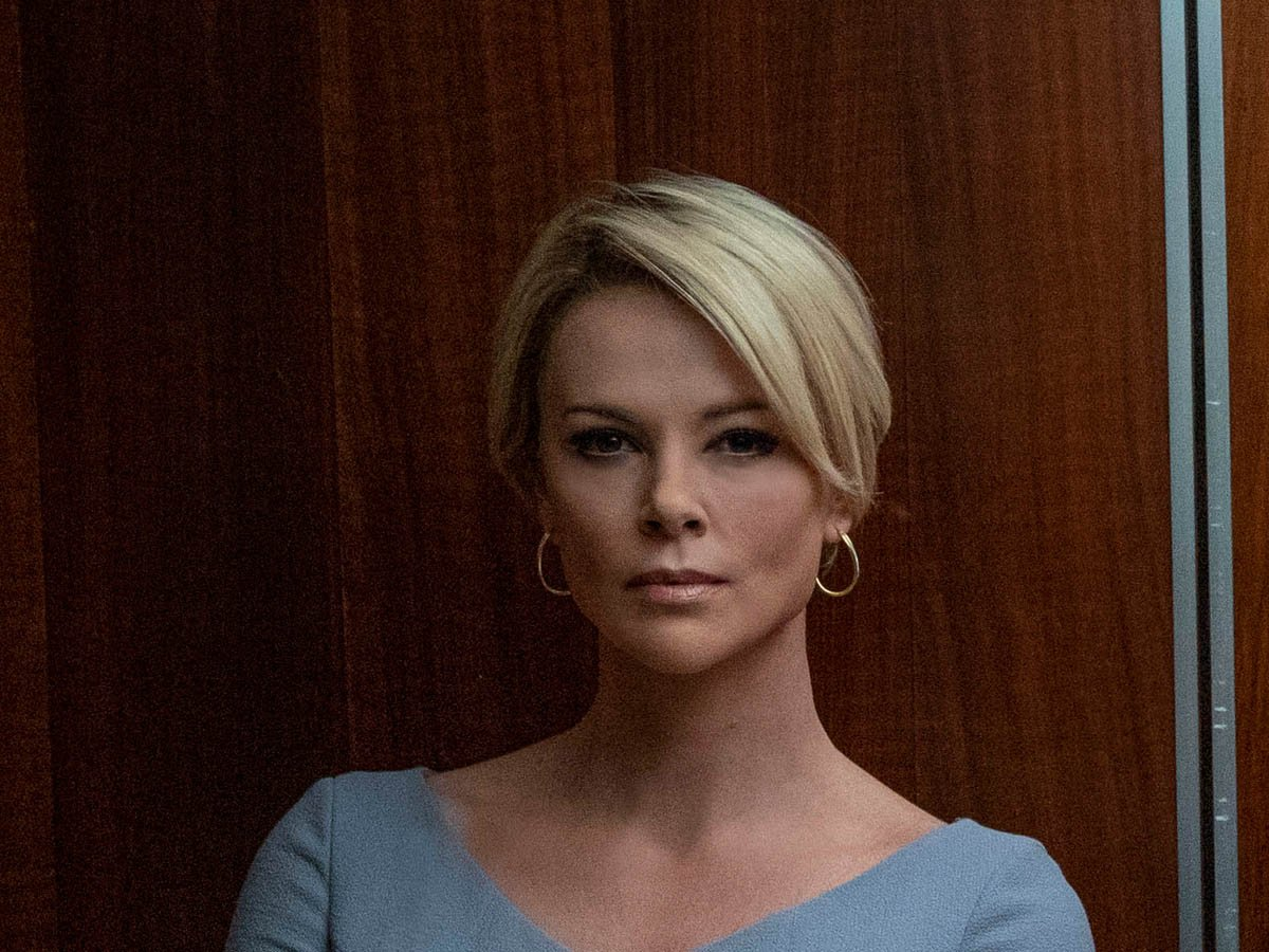 No, this is not former Fox News star Megyn Kelly--it's Charlize Theron playing Megyn! See the actress's incredible hair & makeup metamorphosis for #BombshellMovie, plus more of Hollywood's biggest film transformations: https://t.co/uYeRA9j4AX https://t.co/HeOVGDbiQC