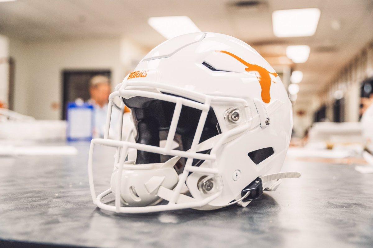 Photos: Texas To Wear Special Helmet Decal To Honor Cedric Benson