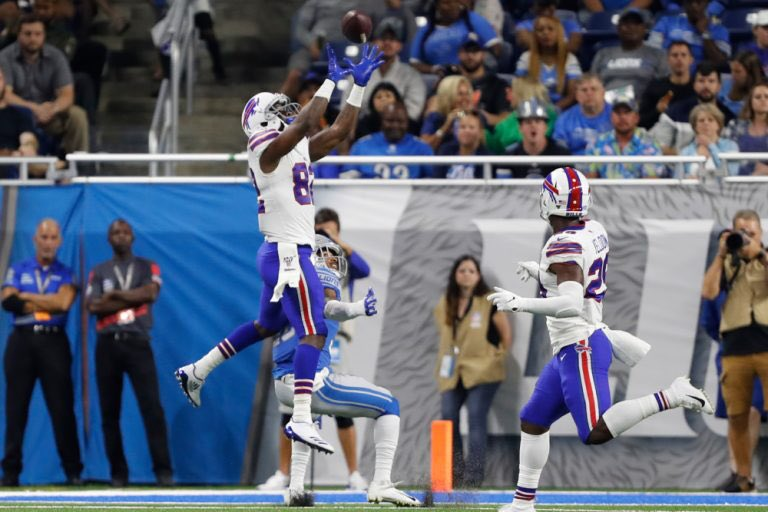 Duke Williams (@YFBurnna_cmh) grabs attention of #Buffalo #Bills' QB Josh Allen https://t.co/2O9hNPyM0j #BillsMafia #NFL #Edmonton #Eskimos #Esks #CFL #Auburn #Tigers #WarEagle #NCAA https://t.co/Ky4STBCZxh