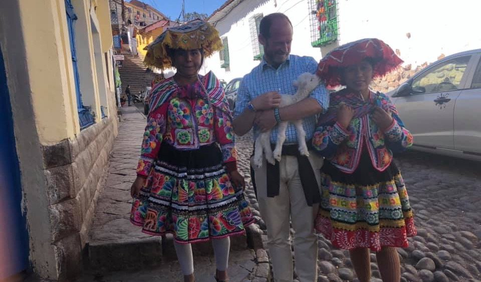 Best Volunteer Abroad Opportunities in Cusco Peru? Review Prof. David Grotell - https://www.abroaderview.org