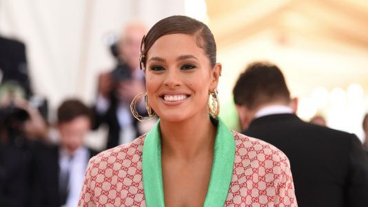 Star> Look > Ashley Graham Shares Her First Baby Clothes From -> https://t.co/ZfrmHYQrA2 #celebrity https://t.co/5R4JZt7p2L