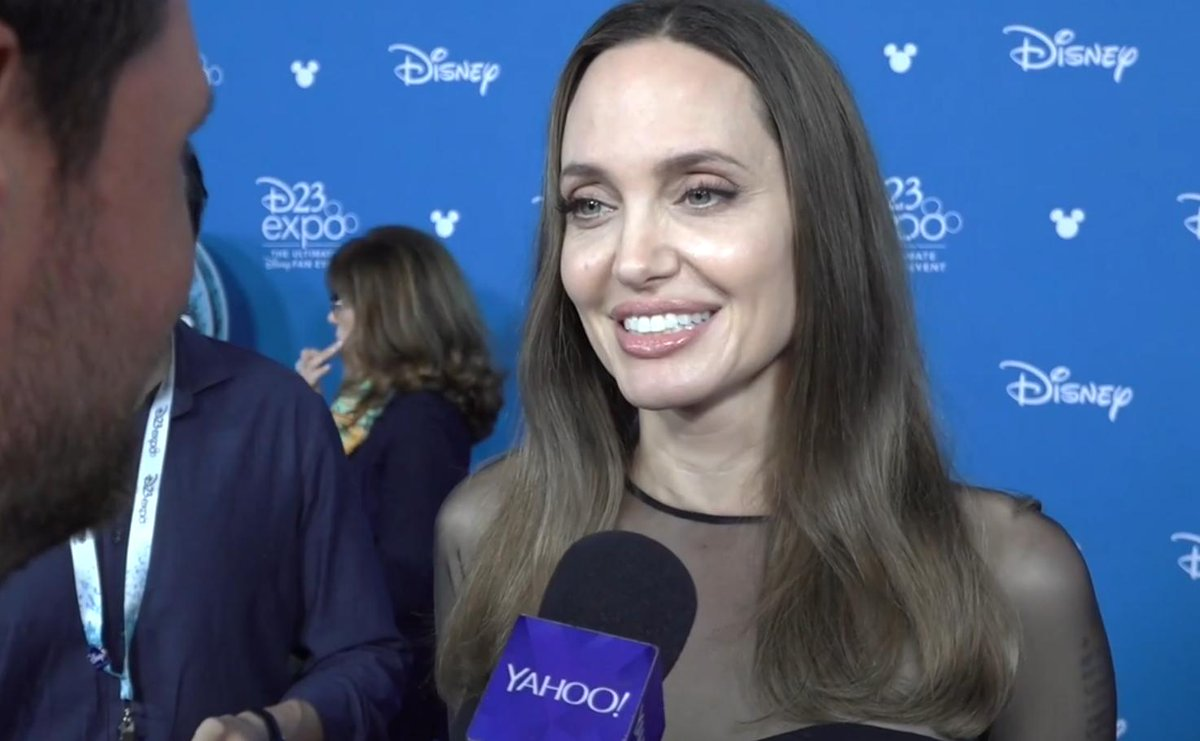 Angelina Jolie on going 'full crazy' in #Maleficent2 and why she entered the Marvel Cinematic Universe https://t.co/h8kufy951J https://t.co/WwEEfGsPvv