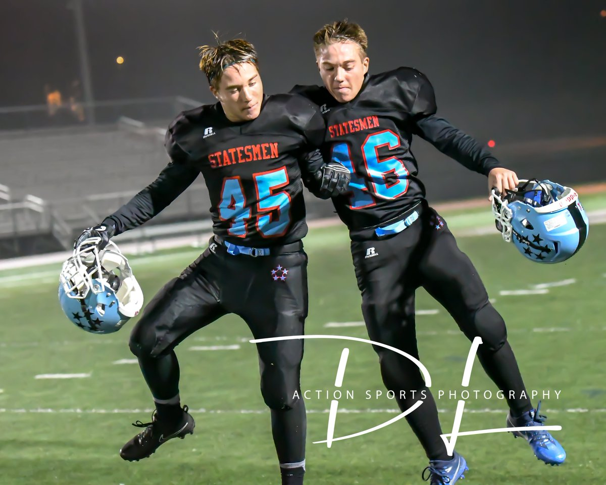 Getting ready for Friday night with the ultimate DUAL threat. Senior @A_c_ampbell & twin brother @bcampbell1414 lead @GCMsports1 into the Vienna Rotary Bowl Friday night 7PM vs @JamesMadisonHS. @MarshallMob @Ethan_Chang47 @drewmargi17  @th0masburke @TownofViennaVA @JMHSAthletics https://t.co/tNzZQ84l72