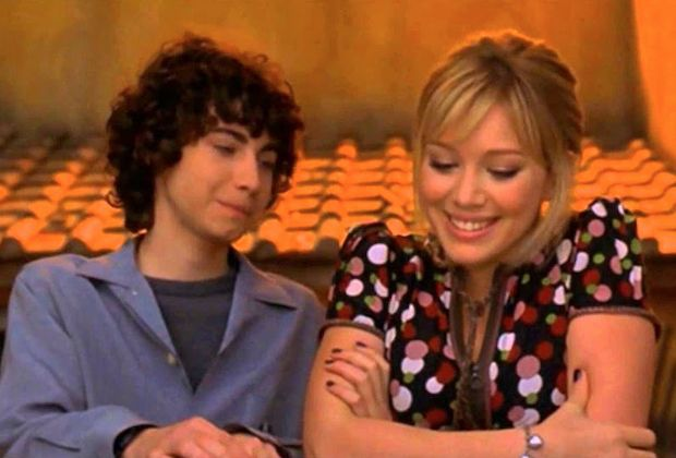 #LizzieMcGuire sequel series: Hilary Duff reveals new plot details — will Lizzie and Gordo wind up together? https://t.co/N8VbPanpWj https://t.co/6nFSFJcFP2
