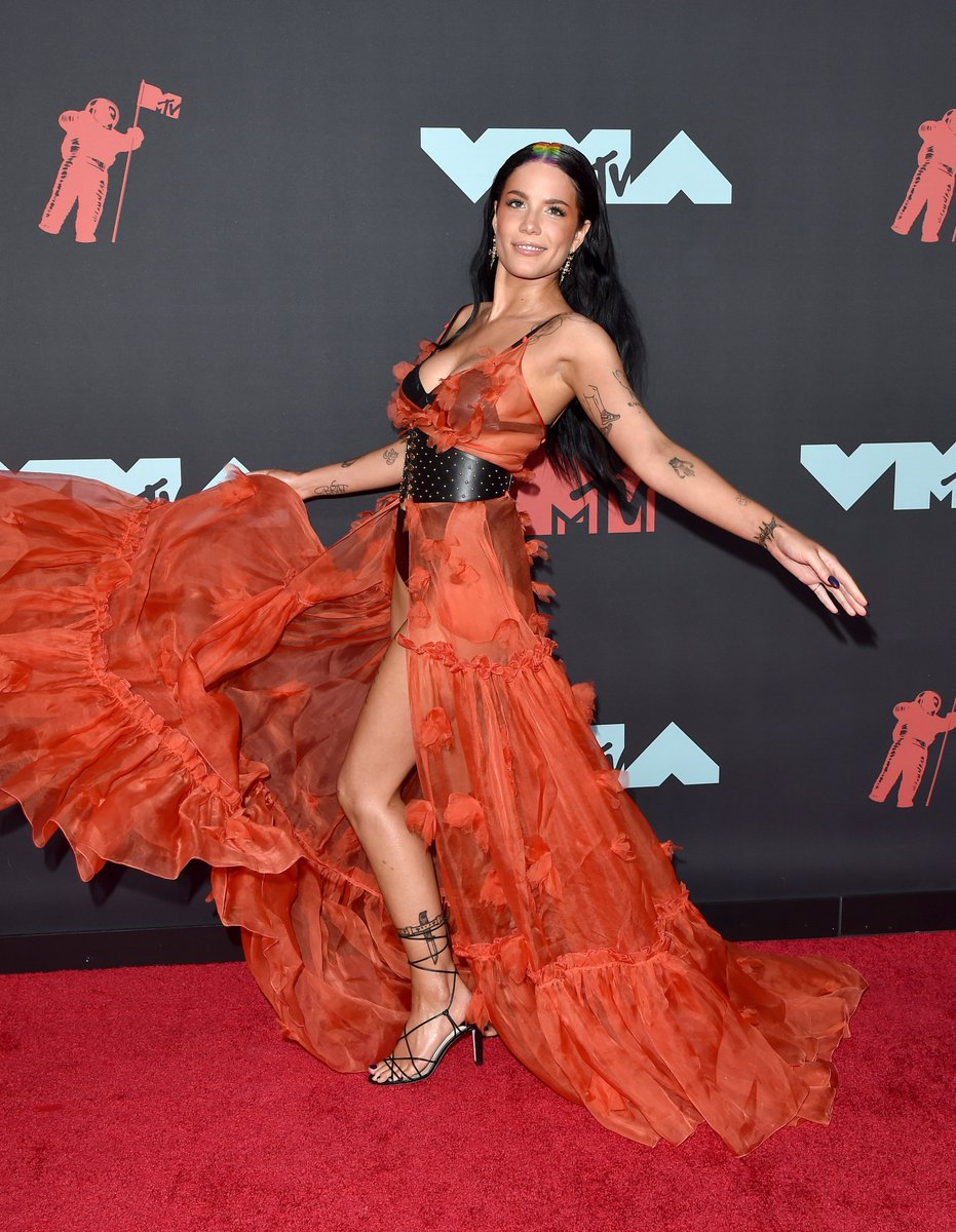 Mtv On Twitter Halsey At The Vma S That S It That S