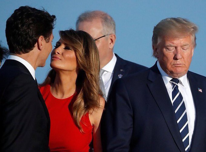#RT @mikelisa800: A photo of #MelaniaTrump leaning in for a kiss from Prime Minister @JustinTrudeau at the #G7Summit in #France was quickly turned into an internet meme. #MelaniaLovesJustin #cklw https://t.co/KuZ32pOqUM