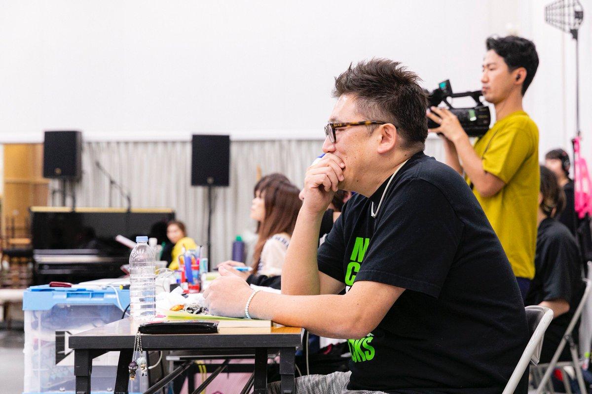 【あす初回放送】 グリブラ 第29話は『ペテン師と詐欺師』の稽古場を訪問 我らが 福田雄一 監督のお
