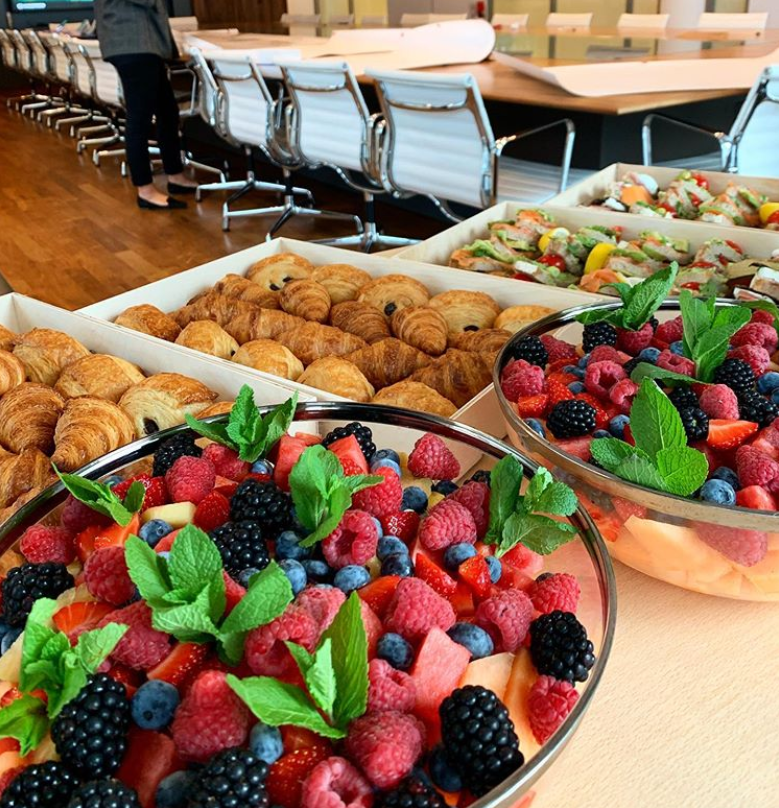 Fuel your team's creativity with our colorful and delicious catering experience. ✨🤤🍓 #cateringamsterdam #linkinbio #lepainquotidiencatering https://t.co/SqQvwbjWvn