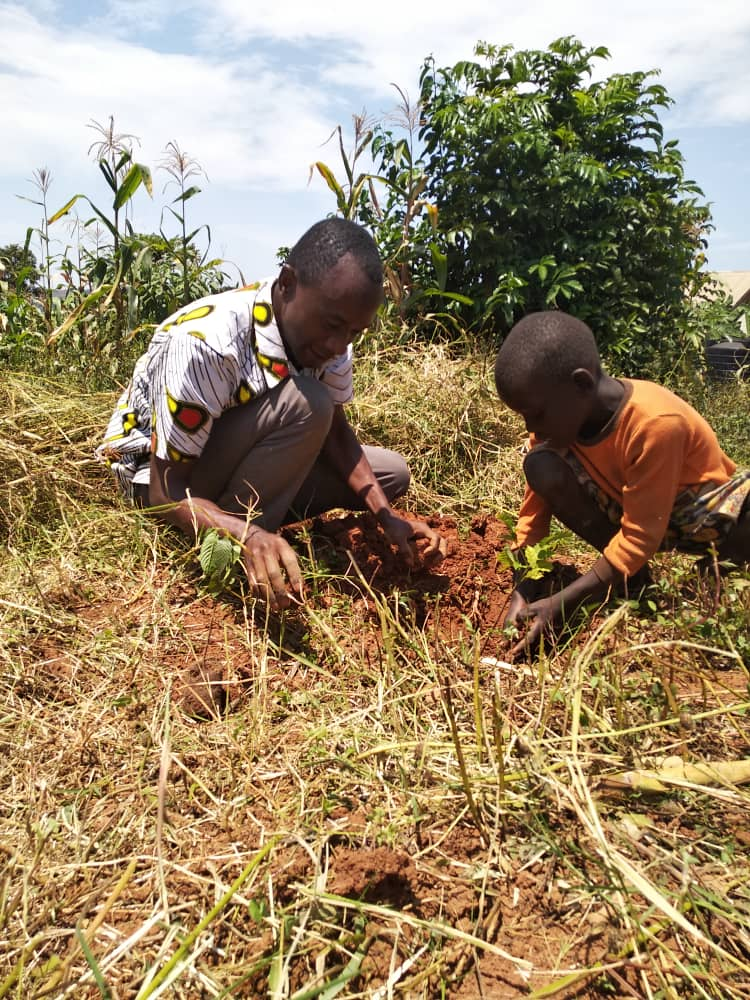 There is an urgent need to put our words in actions.The danger is in delaying climate action. We can all do something to save the only planet we call home. Act Now @GreenCampaignAf @SwedeninUG @Fridays4FutureU #ClimateAction. 📷:Planting #LeahBirthdayTrees #GreenThursday Action.
