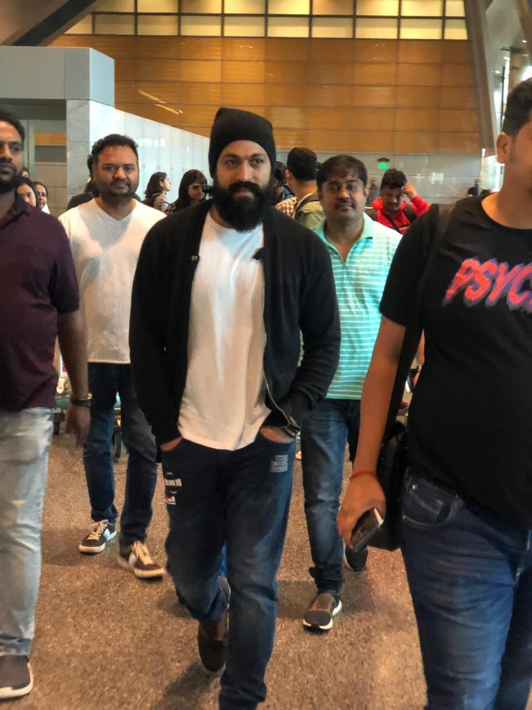 @TheNameIsYash Swag🤩🤩🤩🤩😎 https://t.co/vua0Gd1gXy