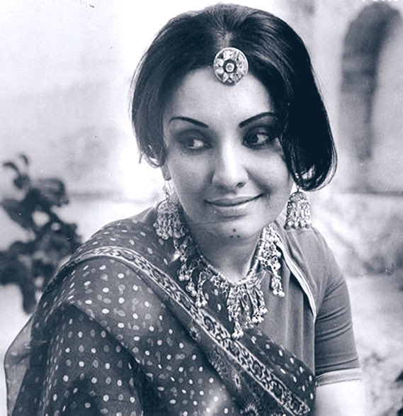 Sad to hear demise of actress Vidya Sinha, she will be always remembered for her superlative performances in films like Rajnigandha, Chhoti si Baat & Pati Patni Aur Woh. My condolences to her family & friends. #OmShanti 🙏