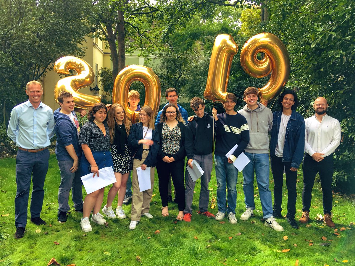 Well done to our very deserving NBH Senior Canonbury Sixth Form students on their fantastic #alevels - an outstanding 32% A*/A grades and some very happy faces! #alevelresults2019 #alevels2019 #alevelresultsday