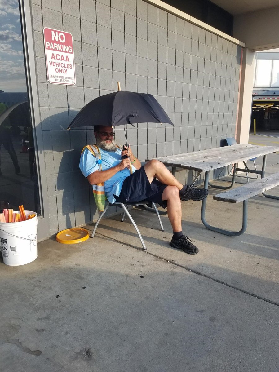 Taking Safety Seriously! Pittsburgh R.S.E. Doug McDaniel takes safety to a whole new level on his well deserved breaks. Shading yourself from the sun and hot temps will prevent heat exhaustion and dehydration. This is Dougs daily routine @weareunited #safetyfirst