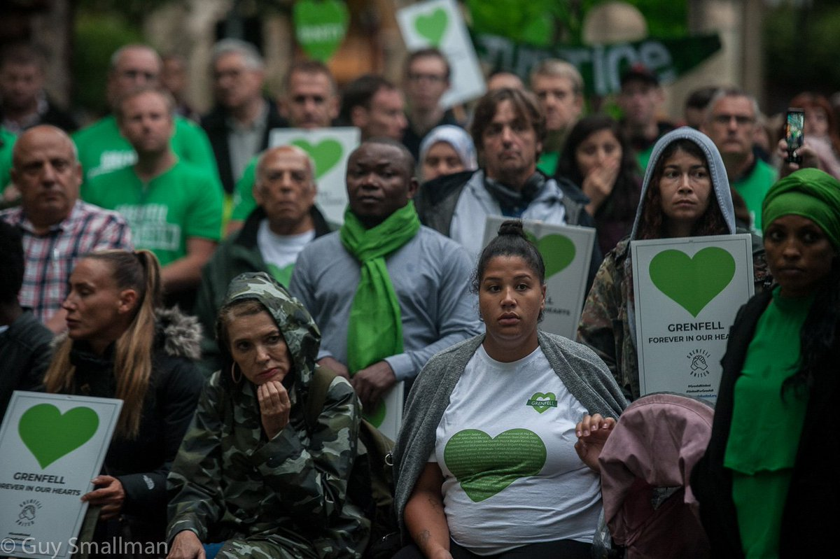 Grenfell silent walk yesterday. Large turnout from survivors, FBU members and supporters despite the holiday season and its rain. #GrenfellTower #GrenfellSilentWalk guy-smallman-photos.photoshelter.com/gallery/Grenfe…