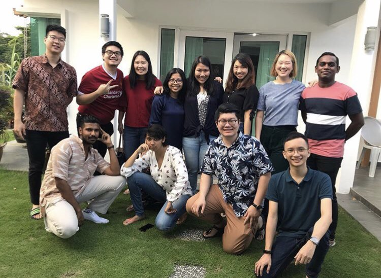 Over 10 years of friendship. Sambut all Malaysian festivities la. Cukup quorum Raya, CNY, Deepavali, Christmas. Diorang paling excited waktu Raya  <br>http://pic.twitter.com/3qmLcoAOeb