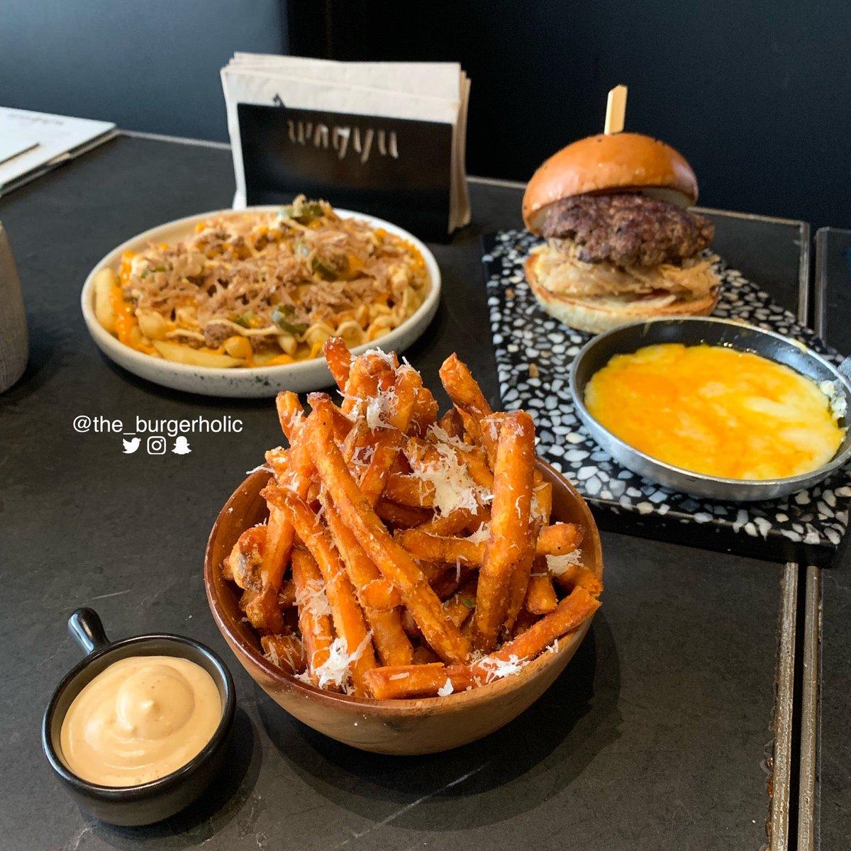 The Burgerholic On Twitter Wagyu Burger Wagyu Burger The Elite In Riyadh Https T Co 91fgcbmvnb