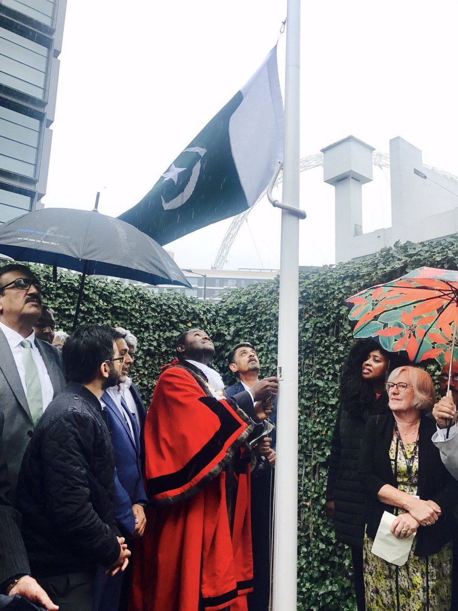 Yesterday we raised the Pakistan flag at @Brent_Council and today Indias to celebrate both Independence Days. We are proud that local leaders with heritage from all countries can come together and stand side-by-side united. In Brent, we can show the way forward for the world