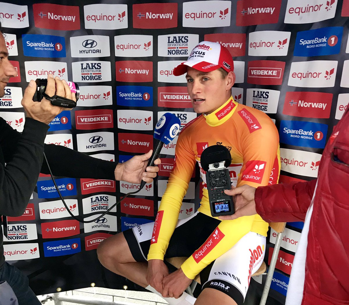 «I felt like it would be hard to catch up with Cummings» @mathieuvdpoel impressed us all today🔥 #ArcticRace