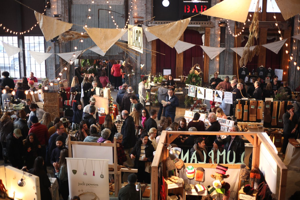 Calling all farmers, collectors and artisans: Basilica Farm and Flea Holiday Market applications are now open! Apply online through September 3 bit.ly/farmandflea #BFFHM19