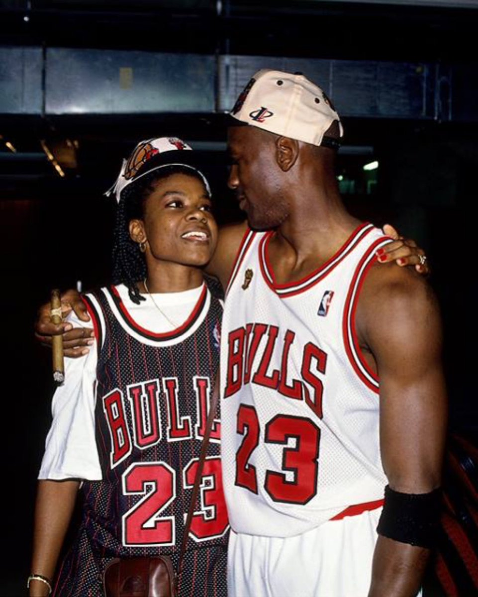 Just a couple legends. #TBT #WNBAVault @sswoopes22 x @Jumpman23