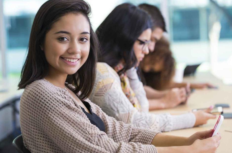 download Educando Meninas 2012