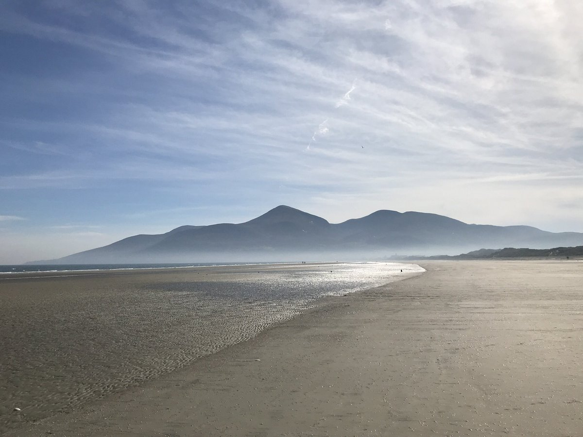 Parish notice - retweet this pic of Malibu and a vote goes to the Mourne Mountains (which look nothing like this) in Lottery funding competition #NLAMOURNES If we win, 10K for paths & trails. And the aul place will look lovely when they come to film the cattle cull after Brexit.