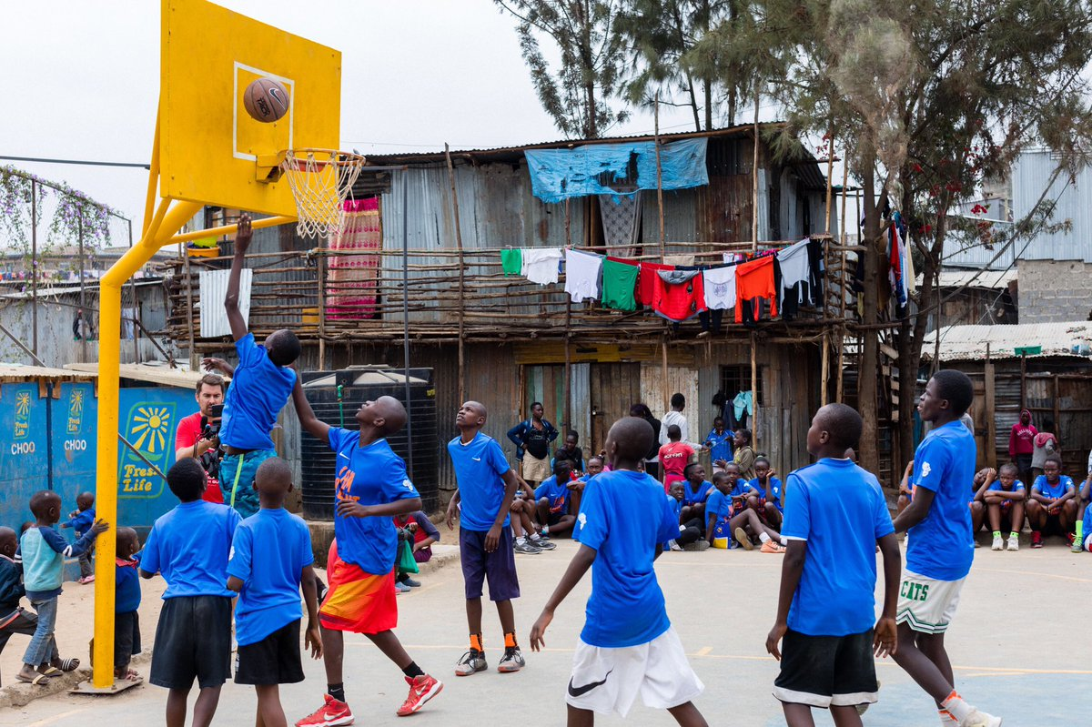 Mathare Dreams Big! Shared the court with some of the younger youth of Mathare in Nairobi #Kenya