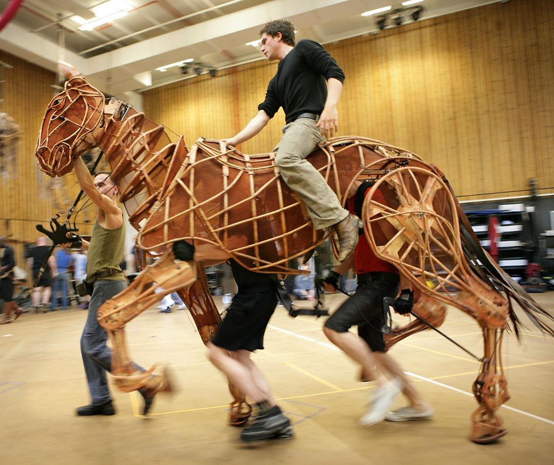 Rehearsal Room, National Theatre #London #rehearsals #kitharington #warhorse #nationaltheatre Amazing pic by Simon Annand  by  https://www. instagram.com/p/B1Lp11unCV9/     #stage #theatre #teatro #actorslife<br>http://pic.twitter.com/7eulICpbdO