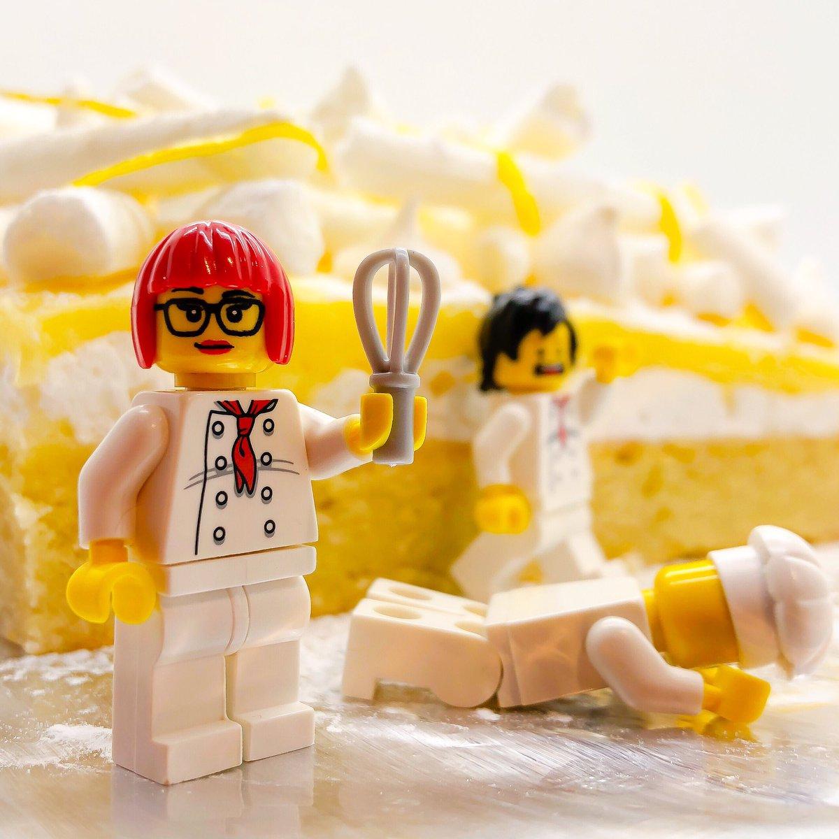 Happy #LemonMeringuePieDay ... my attempt at @Claire_Clark's #lemonmeringue.... a taste sensation... however still getting  the lemon curd off the ceiling! #oops https://t.co/S4CF9Ircmw