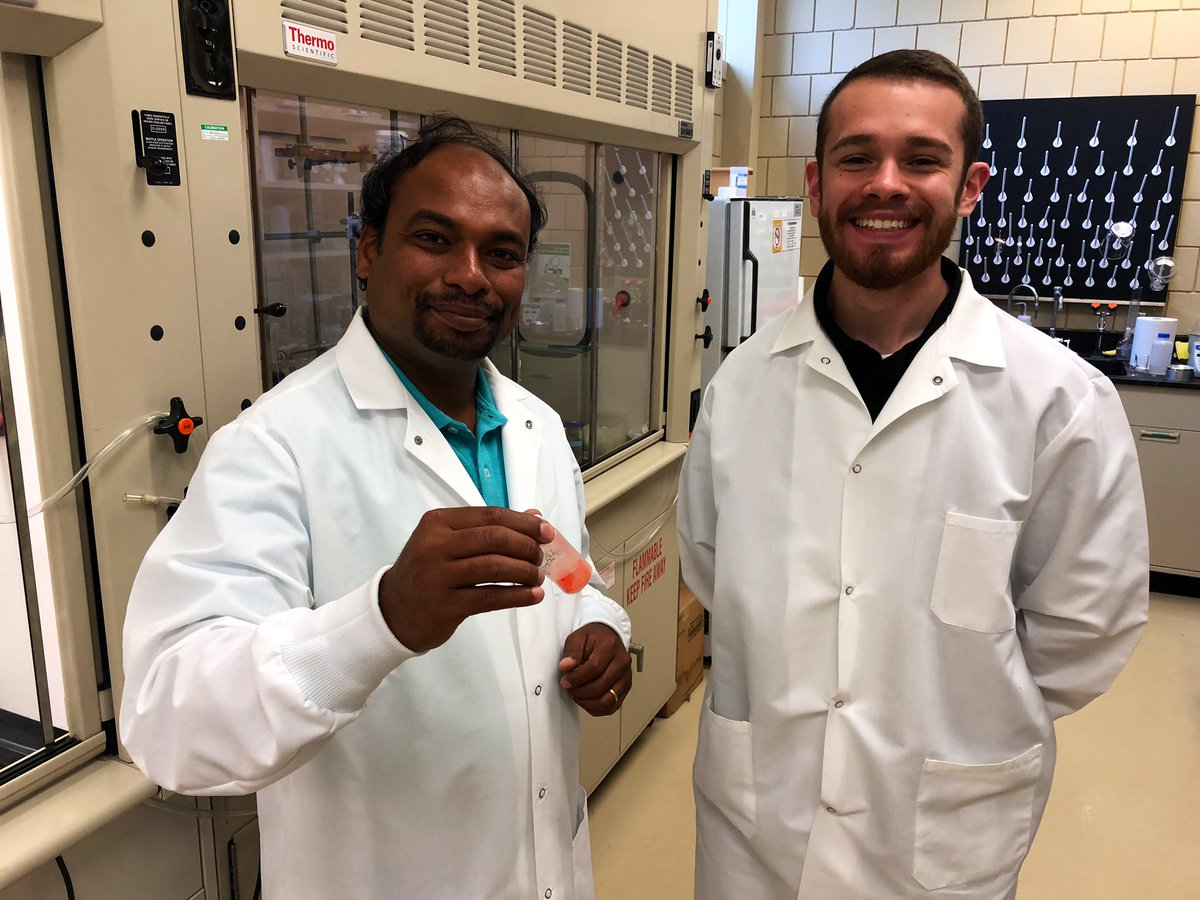 Students at @ufindlay college of pharmacy have developed a chemical compound that kills gliobastoma (brain cancer) cells. They have also refined it to ignore healthy brain tissue and focus on the cancer cells. Story at 5:30