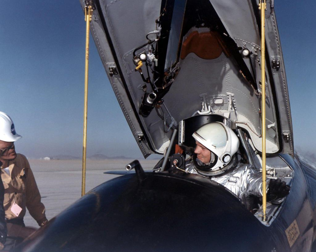 The first human on the Moon took his first rocket-powered flight (in the X-1B) #OTD in 1957. Before he was an astronaut, Neil Armstrong worked as an NACA, then NASA, research pilot and tested aircraft including the X-1B and the X-15 (pic below).