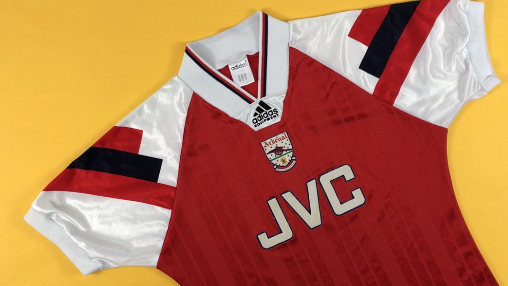 Arsenal 92/94 Those sleeves 👌 cultkits.com/arsenal-199294…