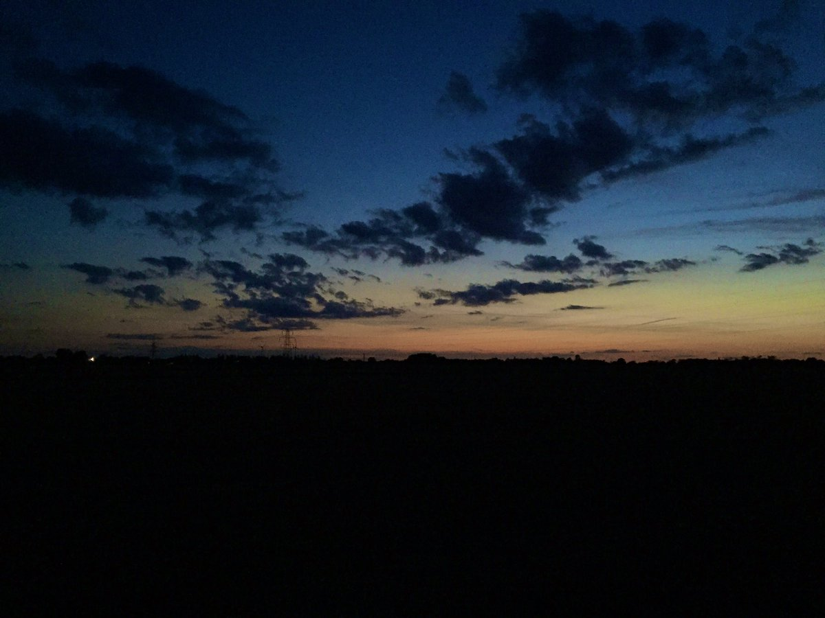 The kids have gone to their grandparents for the night and after work I often plonk myself on the sofa and stare at the telly, so I dragged the whiff out for a walk tonight. #Suffolk #eveningwalk<br>http://pic.twitter.com/1RX2DWJj2D
