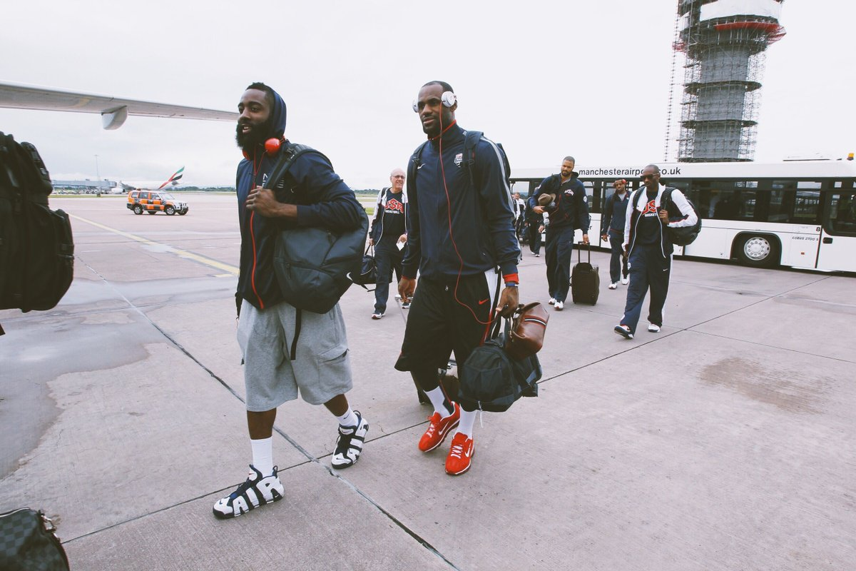NBA needs to bring these travel fits back #TBT <br>http://pic.twitter.com/fXpOhPCKHm