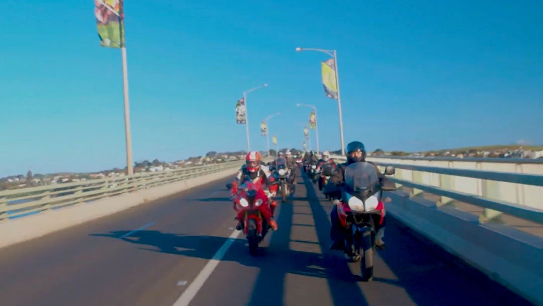 A brilliant new mini-series follows a group of mates on their annual pilgrimage to the MotoGP race at Phillip Island.   CHECK IT OUT HERE:  http:// bit.ly/2MiWnpr     @ausmotogp #AustralianGP <br>http://pic.twitter.com/FQuLZUpydU