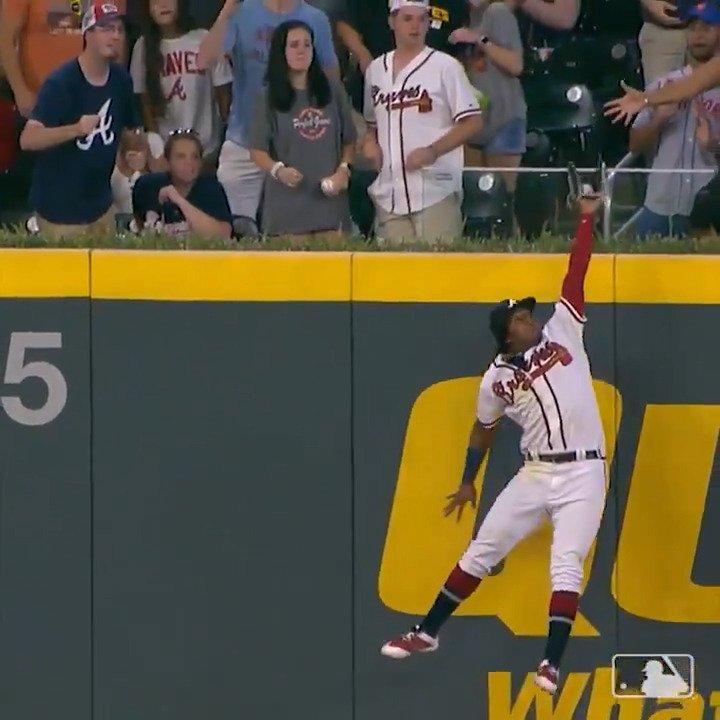 Ronald Acuña Jr. casually robs homer