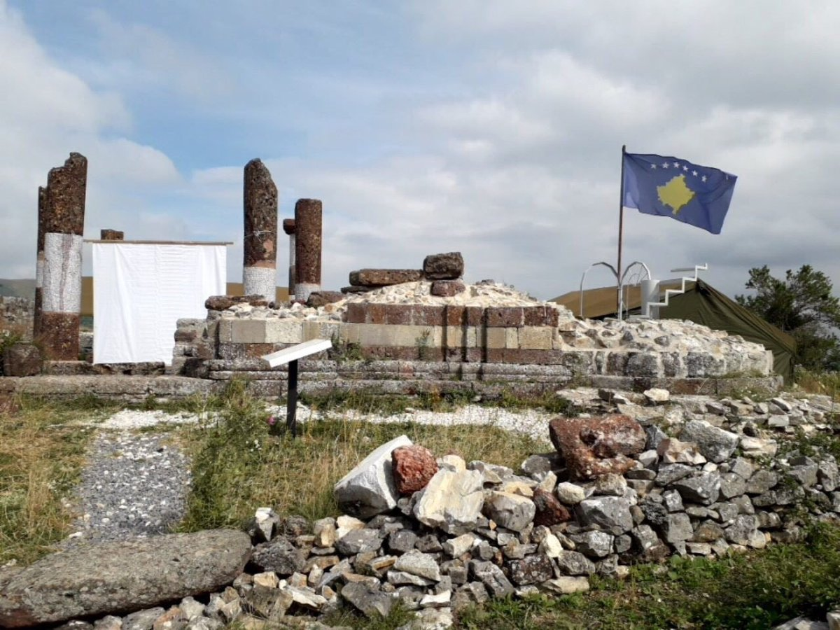 Kosovo authorities politicize cultural heritage. Kosovo flags posted at the special protective zone of the Serbian medieval tower & Serb-Orthodox church of St. Nicholas in Novo Brdo. On Aug 1 Kos/Albanian Catholic bishops served a mass on the ruins of the Serbian Orthodox church <br>http://pic.twitter.com/1f55cZfvf8