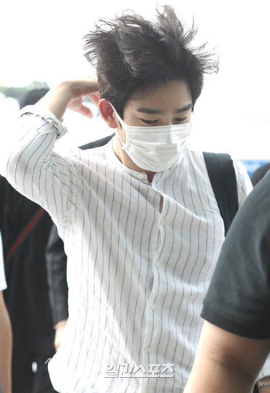 Incheon Airport -1-  #GOT7     #갓세븐                           #GOT7_SPINNINGTOP      #GOT7_ECLIPSE #Jinyoung #진영<br>http://pic.twitter.com/yPVqf6y2S6
