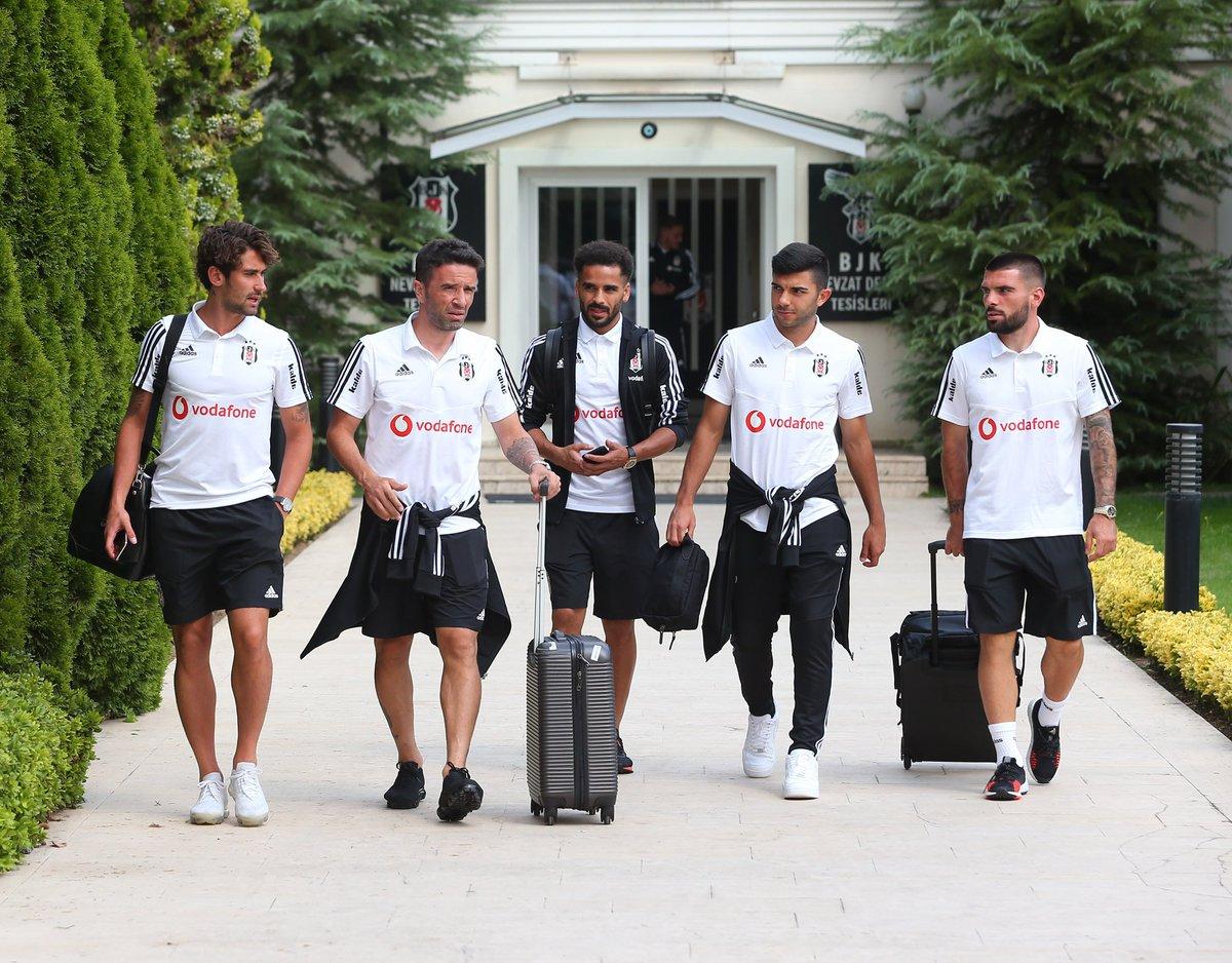 ✈️ Beşiktaşımızın Sivas yolculuğu başladı 🦅#SVSBJK ⚫️⚪️#Beşiktaş
