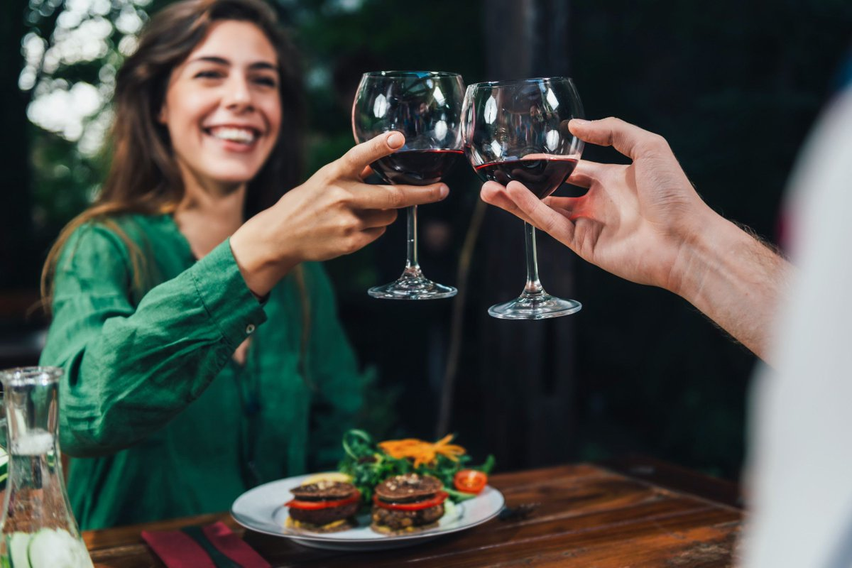 SMALL AMOUNTS OF #ALCOHOL IN #MEDITERRANEAN DIET COULD BOOST #BRAIN #HEALTH, CLAIMS STUDY https://t.co/xAUMeohDEJ #cognitive #thinking https://t.co/BXeyyrAZzH