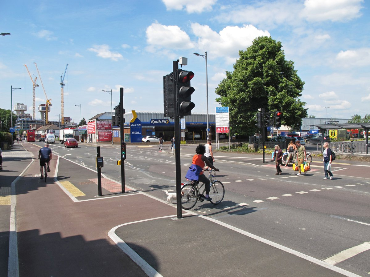 Building new cycle routes is a proven way of enabling more people to get around by bike 👇 🚲 Data shows that a new Cycleway we've built with @wfcouncil on Lea Bridge Road in Leyton has boosted the number of people cycling by 45 per cent in just one year 📈 🎉