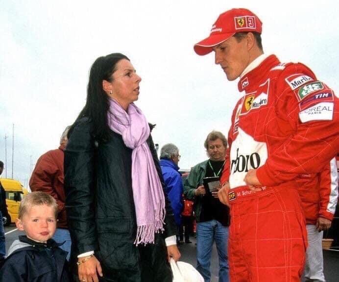 Michael Schumacher, Max Verstappen'in annesi ile konuşuyor. #F1