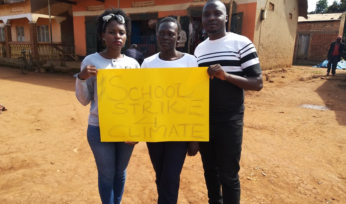We should take a stand in this fight against #ClimateChange and help each other as well. Todays #schoolstrike4climate on the island again, same location. I was joined by my #worksupervisor @kasiryeElly and a workment. #TakeAStand #HelpEachOther. @GretaThunberg @Fridays4future